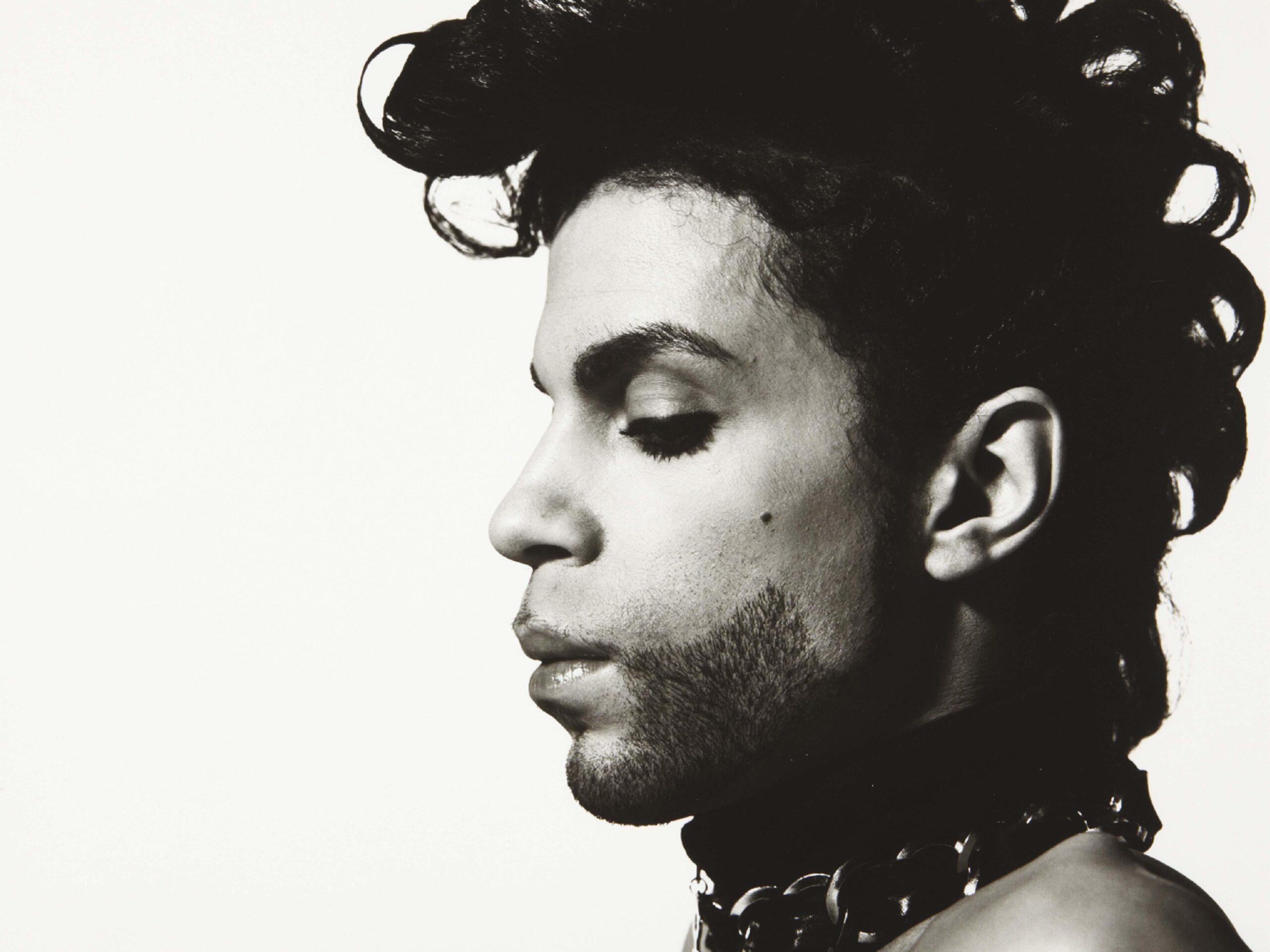 """You are currently viewing Prince'in öldüğüne inanamıyoruz, """"Öldü"""" demeye dilimiz varmıyor"""