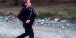 Annemiz, kardeşimiz ve kardeşlerimiz için koşuyor