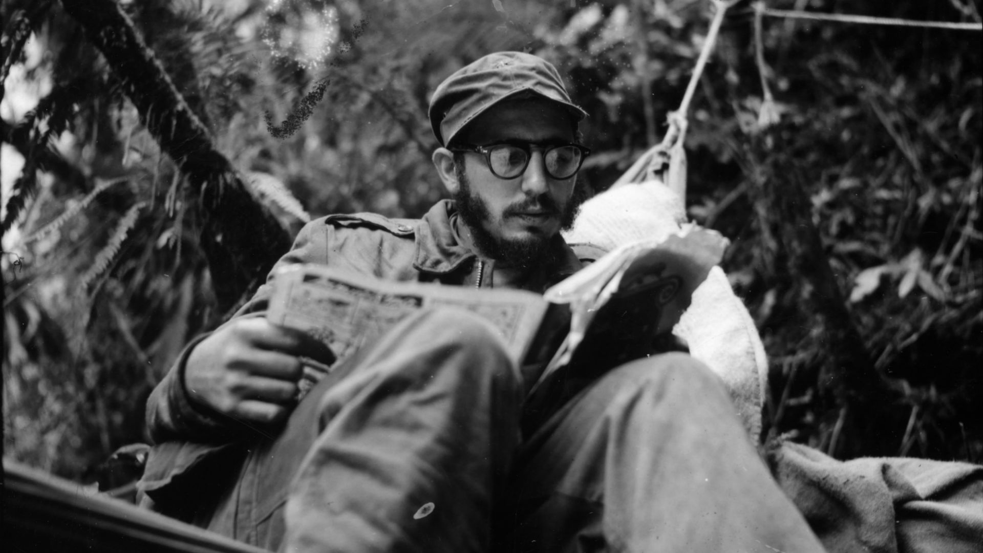 You are currently viewing Fidel Castro öldü, kelimeler kifayetsiz.