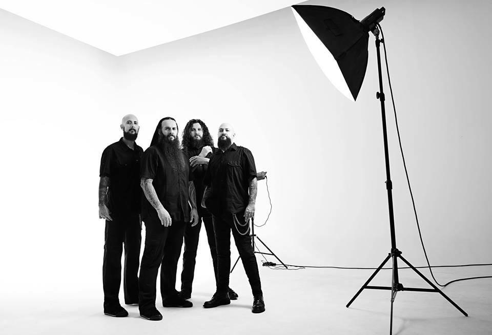 You are currently viewing Pitch Black Process'tan manidar metal cover'ı: Eşkiya Dünyaya Hükümdar Olmaz