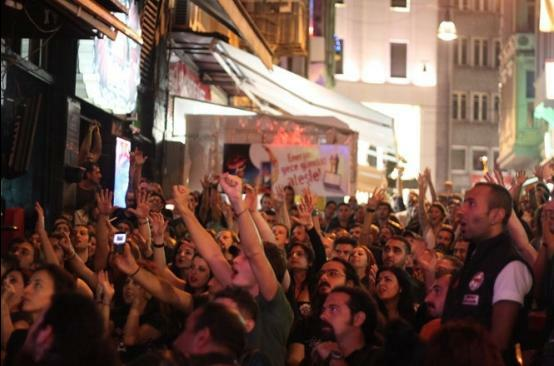 """Read more about the article """"Taksim Metalciliği""""nin son kalesi düşüyor; Dorock zor durumda"""