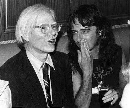 You are currently viewing Alice Cooper, Andy Warhol'un tablosunu hacıladı mı?