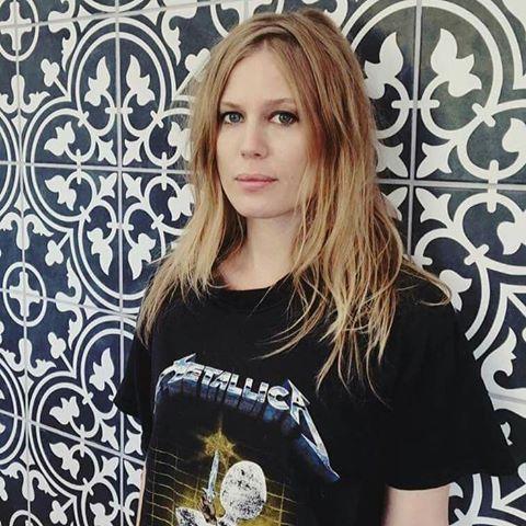 You are currently viewing Black Metalcileri ikiye bölen Melek Metalci: Amalie Bruun