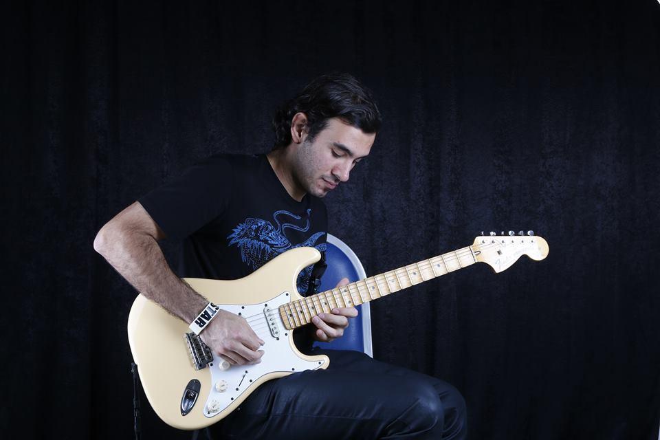 """You are currently viewing Gitarist Deniz Yıldız: """"Çok heyecanlı bir süreç beni bekliyor"""""""