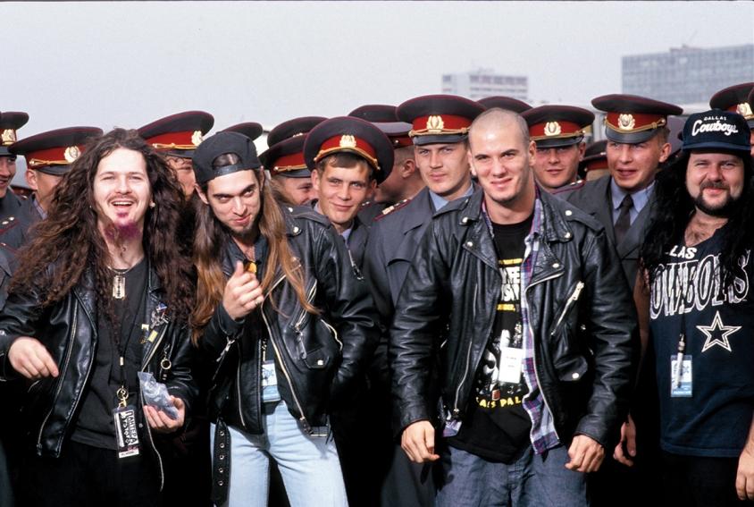 "You are currently viewing ""Monsters of Rock""-Moscow'91'de bir Türk metalci… (2) Phil Anselmo'nun arıza kovboyluğu"