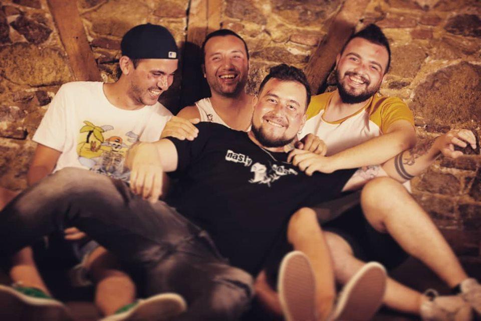 You are currently viewing Türkçe sözlü melodik punk rock: Karşınızda Nasty Beast
