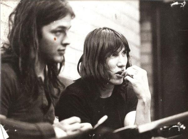 "You are currently viewing Pink Floyd efsanesi Roger Waters DeliKasap'a konuştu: ""Gilmour ile kaç kez birbirimize giriştik!"""