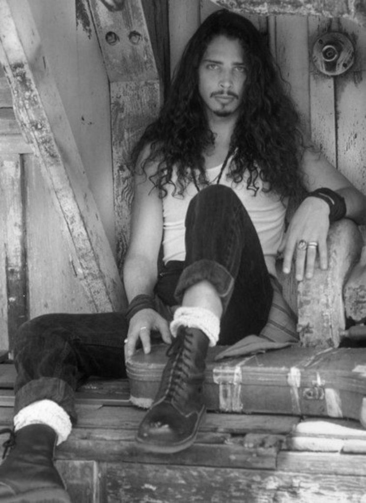 Read more about the article Cennetten gelen Patience sesi: Chris Cornell'den dinliyoruz