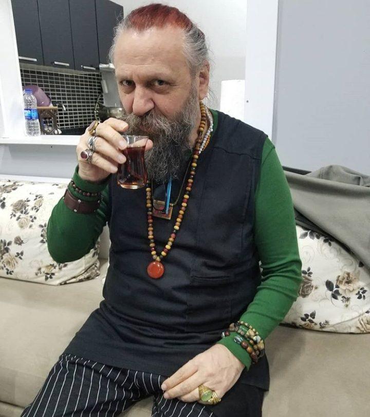 You are currently viewing Ustaların ustası müzik emekçisi Cavit Murtezaoğlu'nu yitirdik