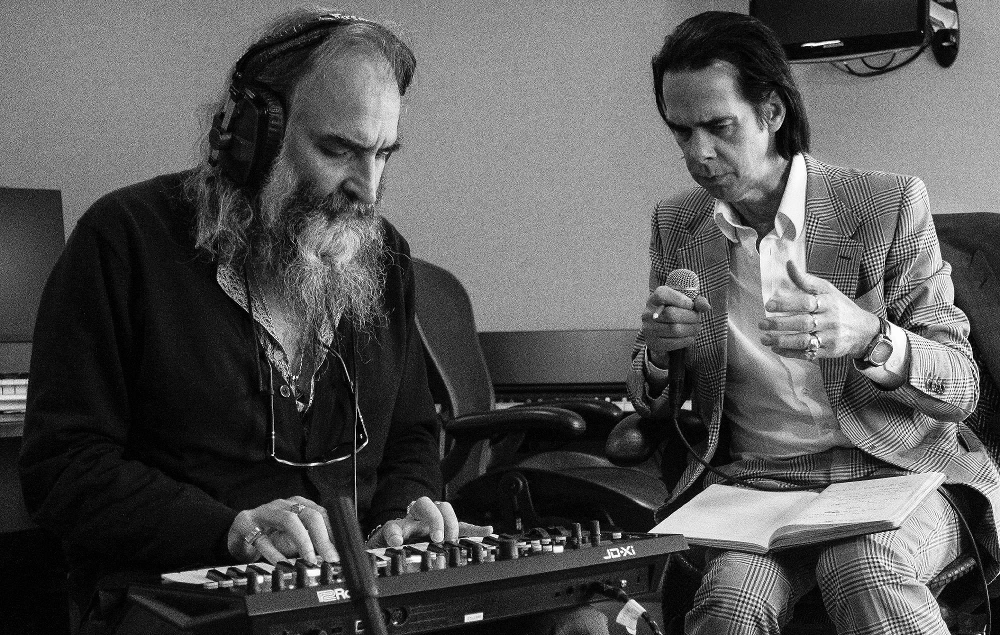Read more about the article Nick Cave ve Warren Ellis'ten Yeni Albüm: Carnage